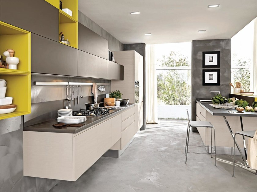 Fitted kitchen without handles LINDA | Lacquered kitchen by Cucine Lube