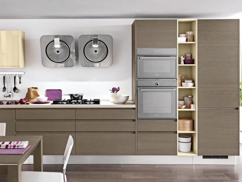 LINDA | Wooden kitchen By Cucine Lube