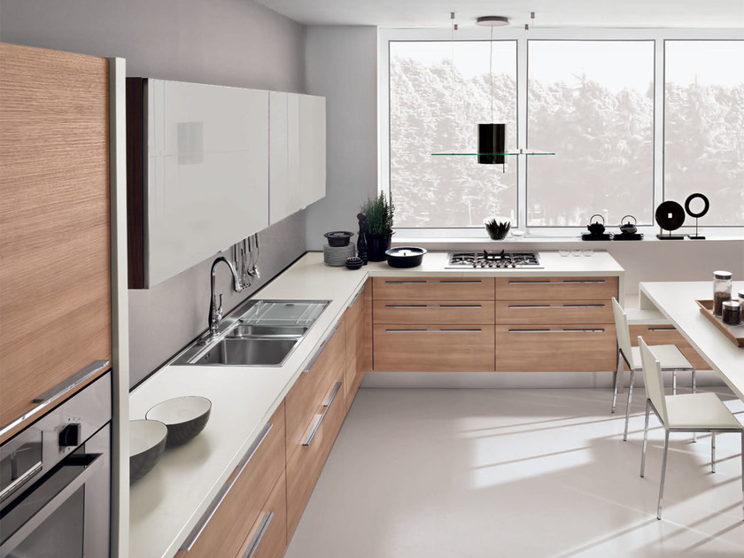 Noemi kitchen with handles by cucine lube for Maniglie cucina lube