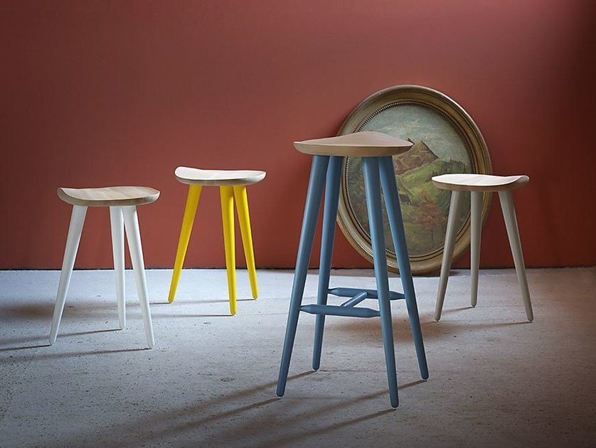 Low beech stool LECHUCK by Miniforms
