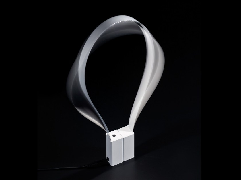 LED desk lamp FLUIDA by Martinelli Luce