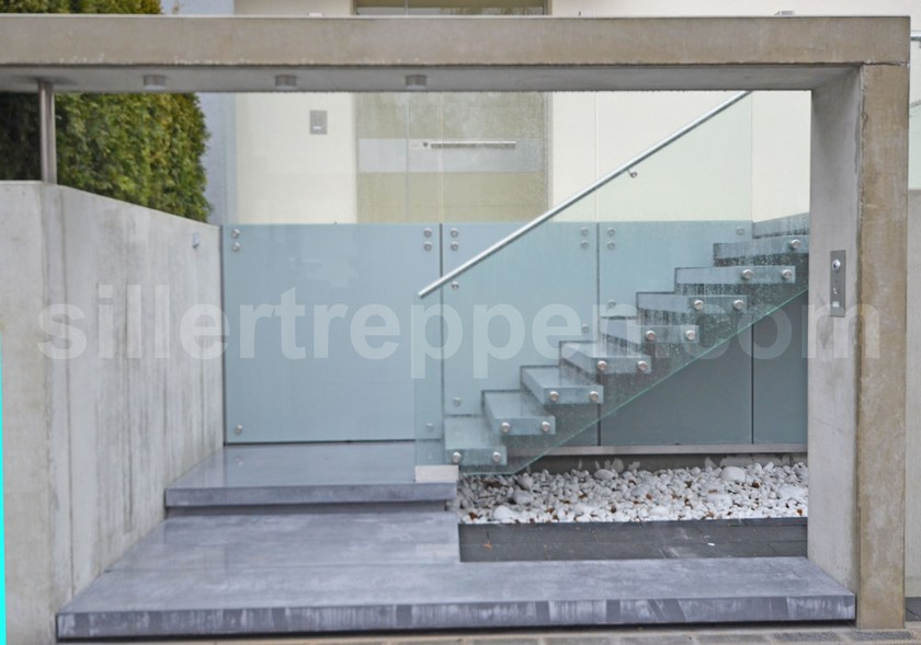 Cement Cantilevered Staircase Cantilevered Concrete Exterior Stairs By  Siller Treppen