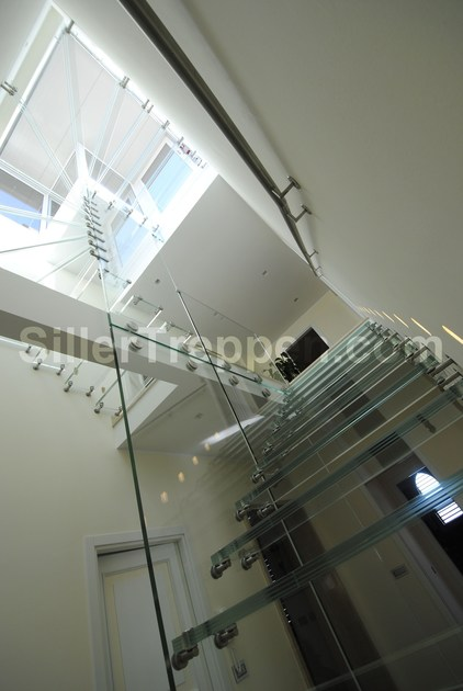 ALL GLASS | Scala a giorno in vetro modern glass staircase