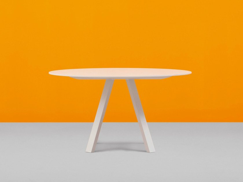 Round metal table ARKI-TABLE | Round table by PEDRALI