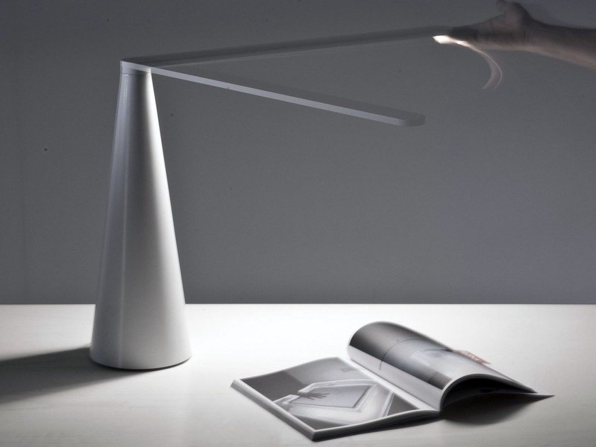 LED direct light table lamp ELICA by Martinelli Luce