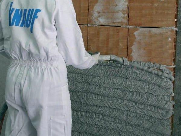 Gypsum plaster ROCCIA DI GAMBASSI by Knauf Italia