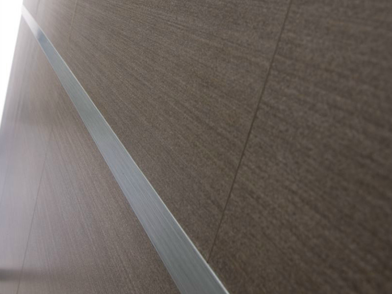 Decorative stainless steel edge profile for walls NOVOLISTEL® 4 by EMAC Italia