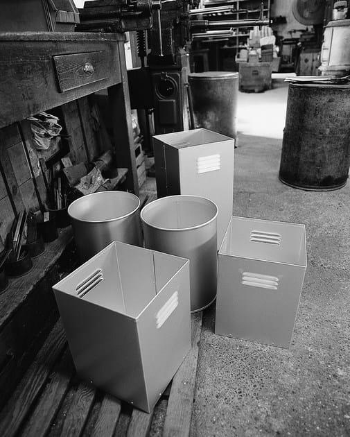 Aluminium waste paper bin GETTACARTE by KRIPTONITE