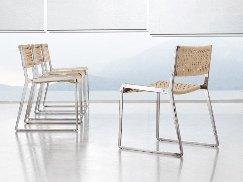 Design sled base chair WING | Chair by ALIVAR