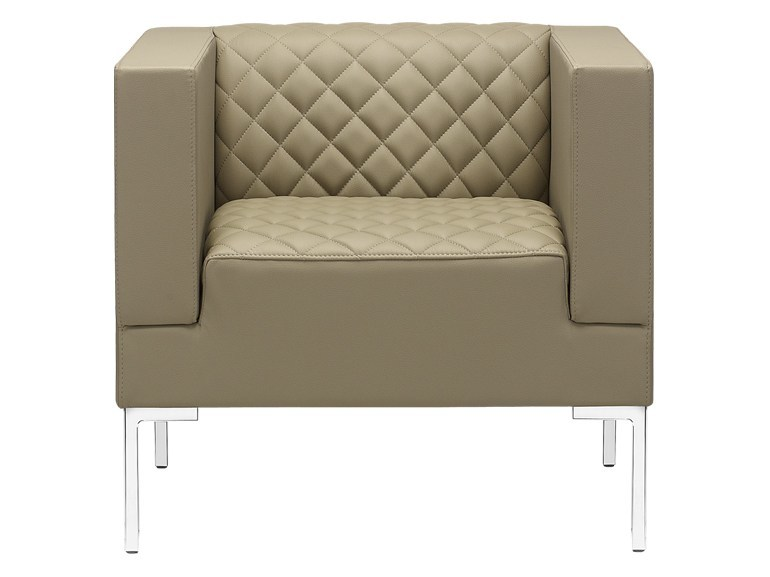 Upholstered armchair with armrests MATRIX MATELASSÈ   Armchair by SitLand