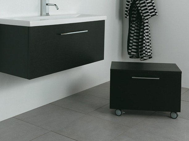 Wooden bathroom cabinet with doors SYSTEM | Storage bathroom cabinet by Mastro Fiore