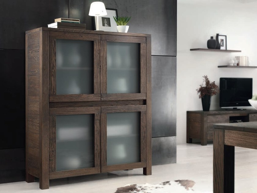 Solid wood display cabinet AUDREY 2 | Display cabinet by Domus Arte