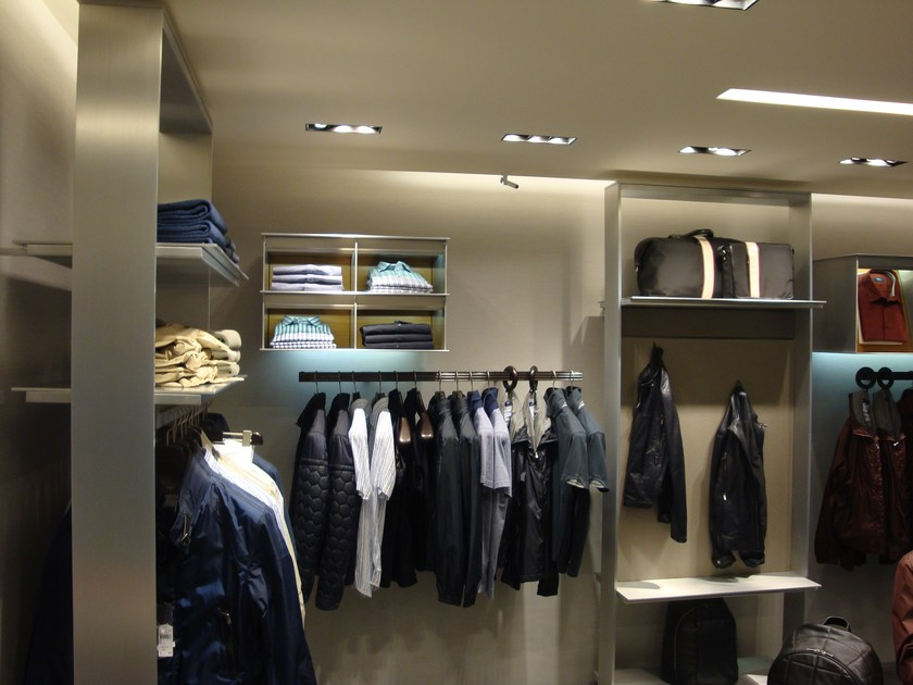 Customized shopfitting SHOPFITTING by YDF