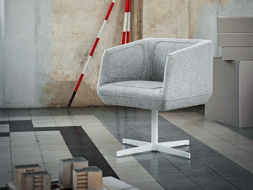 Fabric easy chair with 4-spoke base DRESSED   Design easy chair by Tacchini