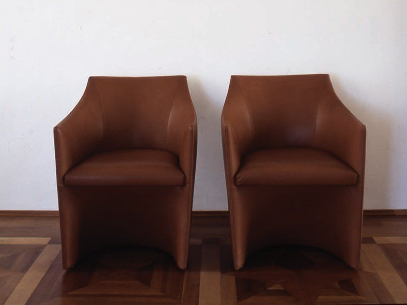 Leather easy chair with armrests MAYFAIR | Easy chair by Tacchini