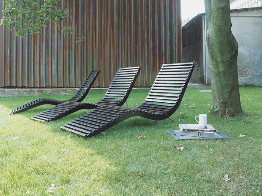 Birch garden daybed SLALOM OUTDOOR by Tacchini