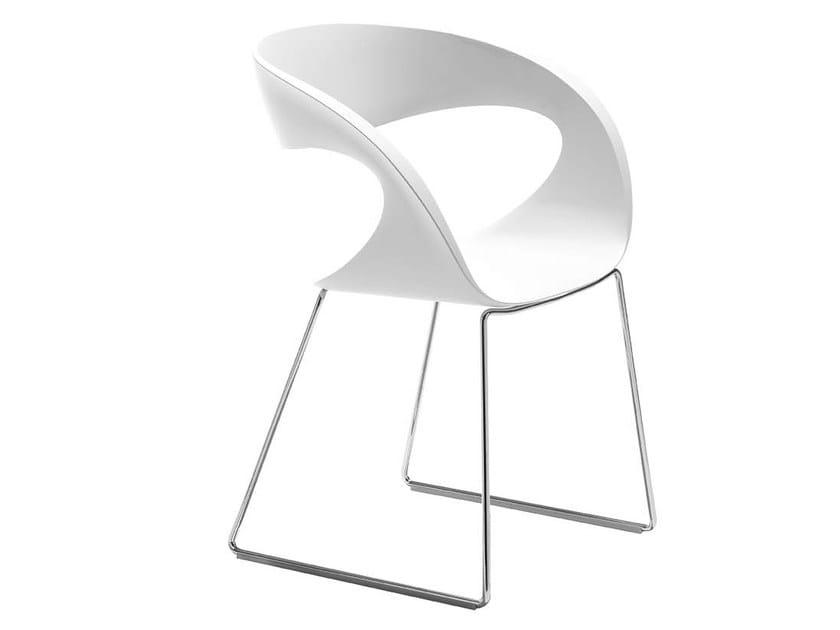 Sled base Baydur® chair RAFF T | Sled base chair by Midj