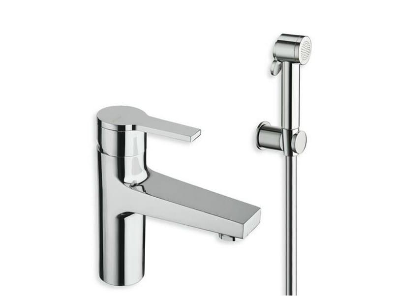 DIARIO | Miscelatore per lavabo con doccetta