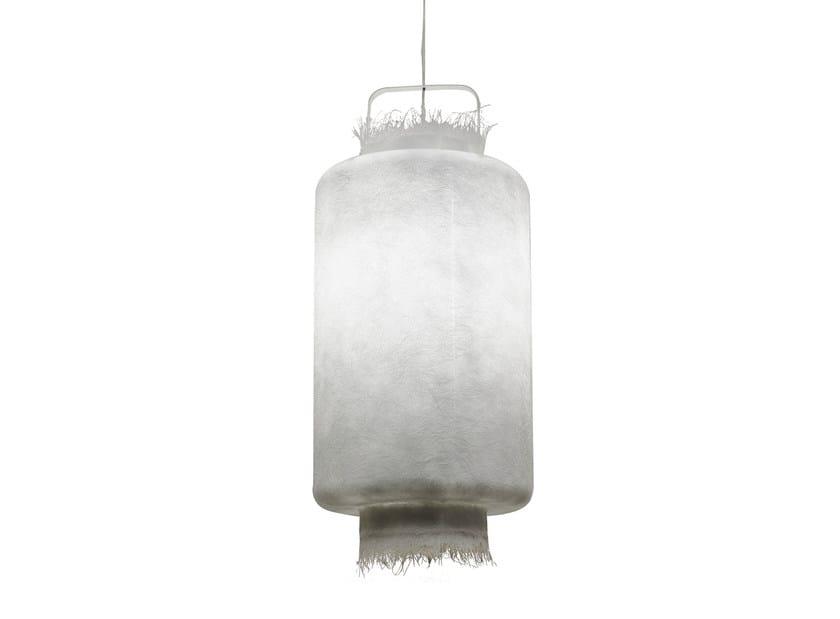 Lampada a sospensione per esterno in vetroresina KIMONO | Lampada a sospensione by Karman