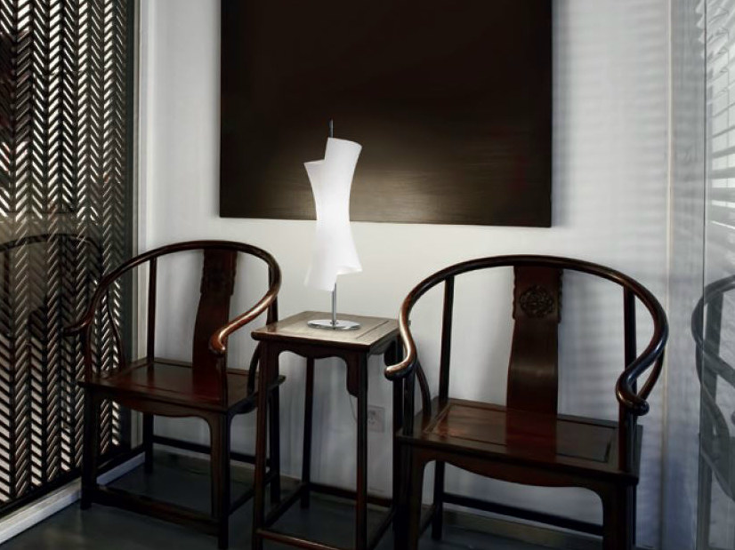 Blown glass table lamp TWISTER | Table lamp by PANZERI