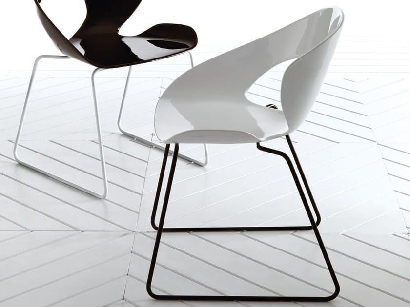 Sled base fiberglass chair MINIMA | Sled base chair by Esedra