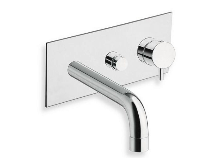 Wall-mounted bathtub mixer with diverter with plate TRICOLORE VERDE | Bathtub mixer with plate by CRISTINA