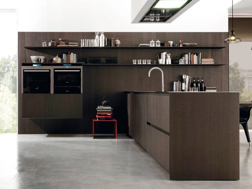 Wooden storage wall with shelves for kitchens and living HORIZON by Euromobil