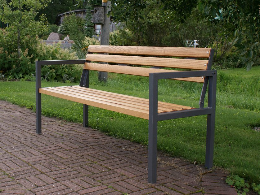 Wooden Bench with armrests SPARTA by Nola Industrier
