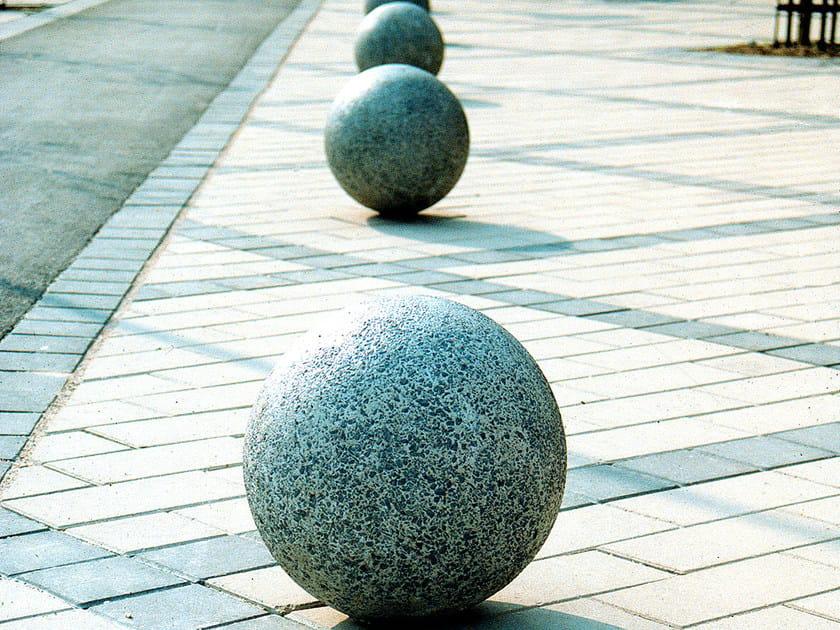 Fixed concrete sphere bollard BOULE by Nola Industrier
