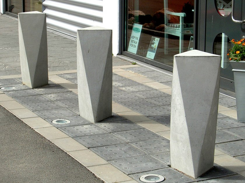 Fixed reinforced concrete bollard ACKORD by Nola Industrier