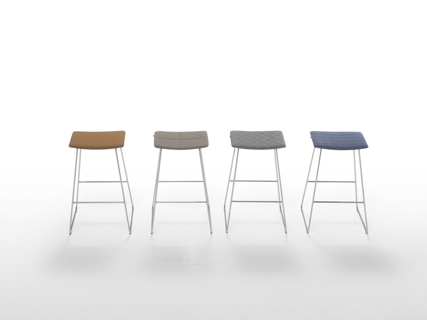 High upholstered stool TAO | Upholstered stool by Inclass Mobles