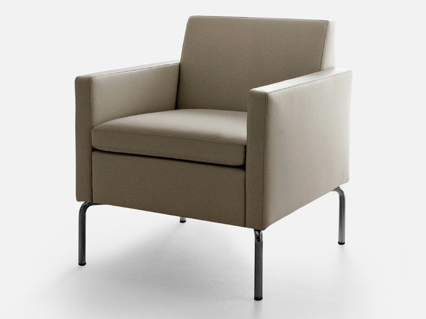 Upholstered armchair with armrests SOCRATE | Armchair by La Cividina