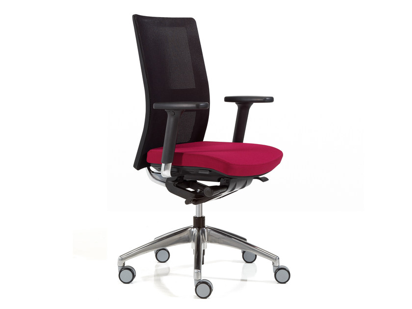 Mesh task chair with armrests ITEK | Mesh task chair by Inclass Mobles