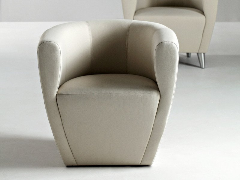 Armchair with armrests TWINGO | Armchair by La Cividina