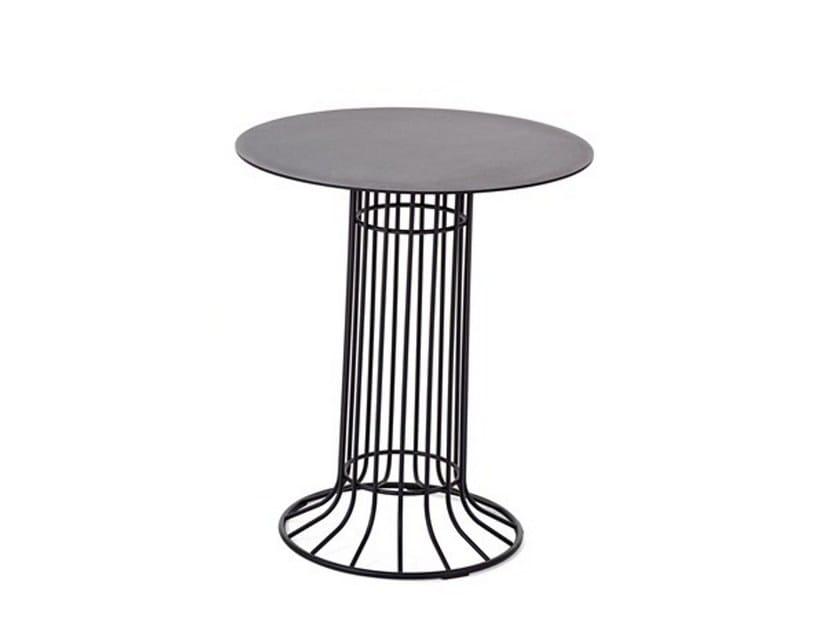Round steel garden side table KASKAD | Garden side table by Nola Industrier