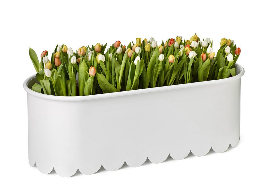 Powder coated steel planter DAISY by Nola Industrier