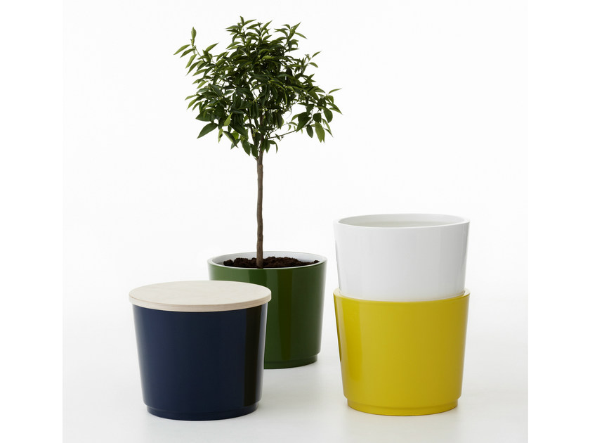 Glass-fibre Flower pot PANDORA by Nola Industrier