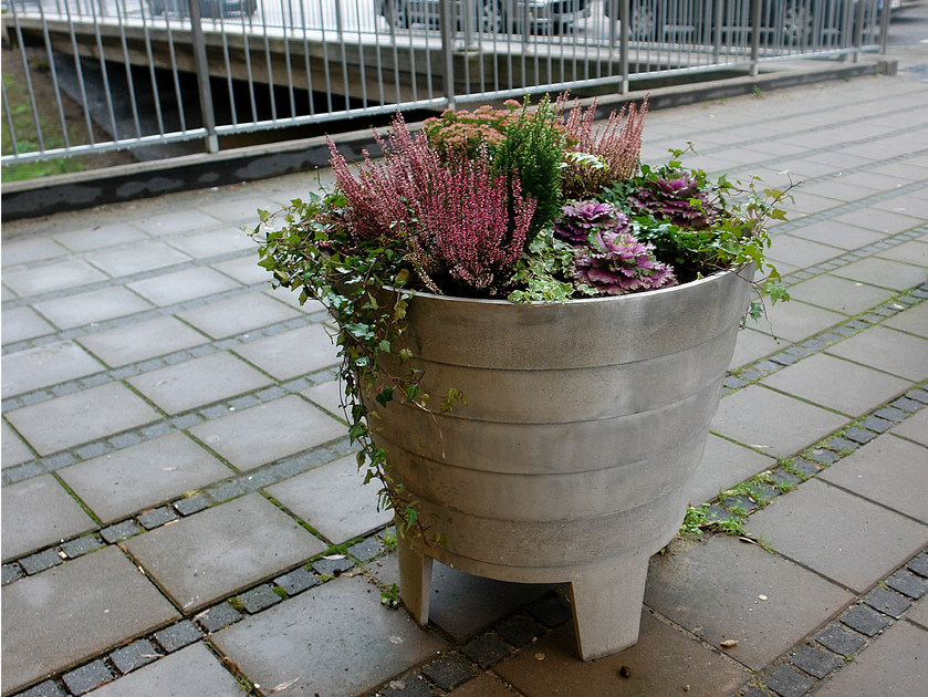Aluminium Flower pot MAGNOLIA by Nola Industrier