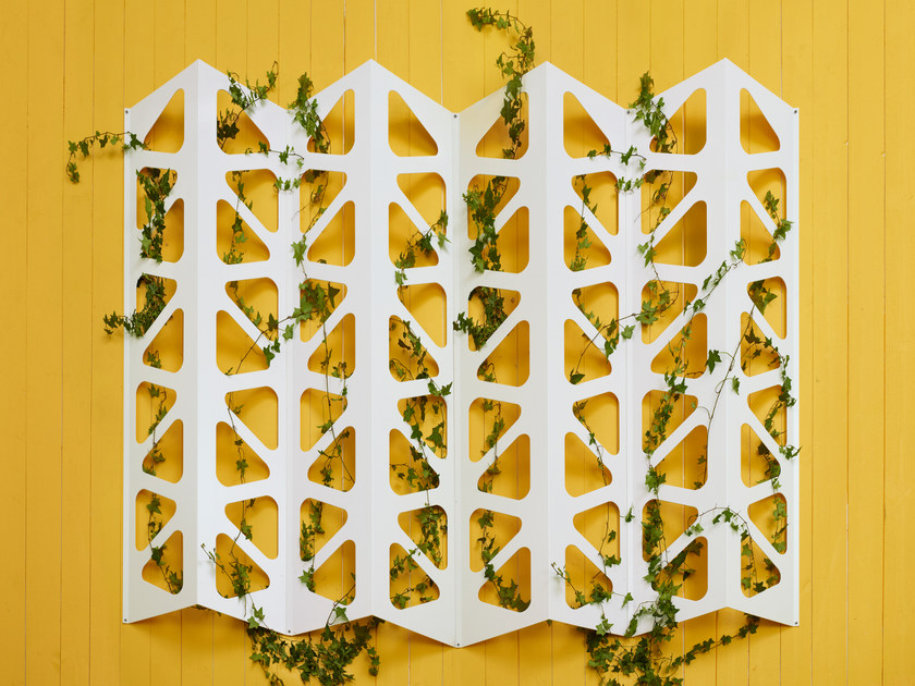 Steel vertical gardening trellis TRELLIS by Nola Industrier
