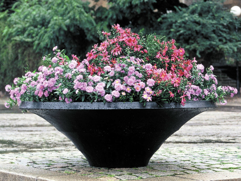 Aluminium Flower pot KRUS by Nola Industrier