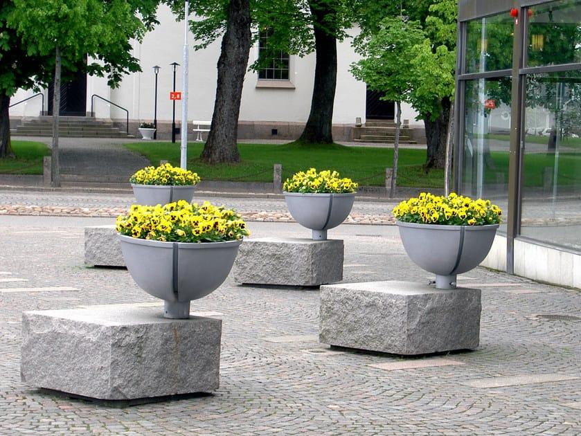 Aluminium Flower pot BERZELII by Nola Industrier