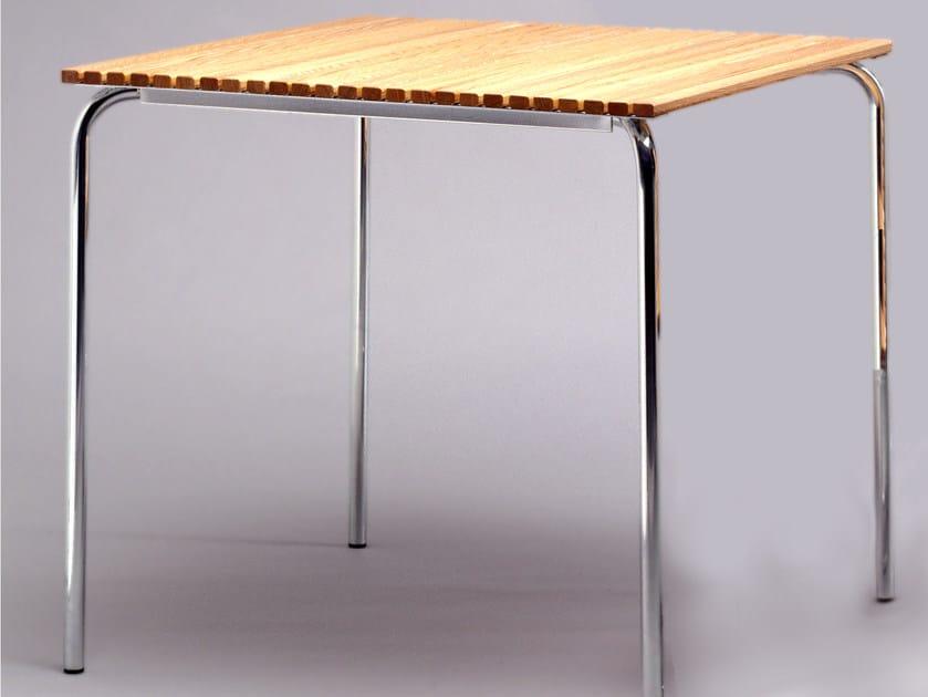 Square steel and wood garden table DJURGÅRDSBRUNN | Garden table by Nola Industrier