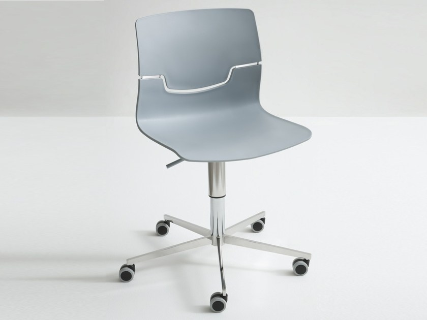 Technopolymer chair with 5-spoke base with casters SLOT 5R by GABER