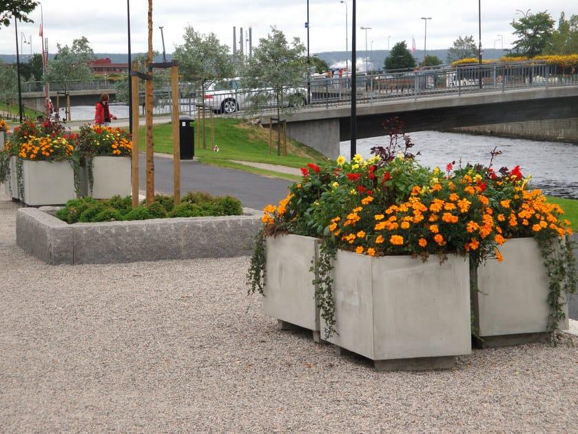 Reinforced concrete Flower pot BOCKS by Nola Industrier