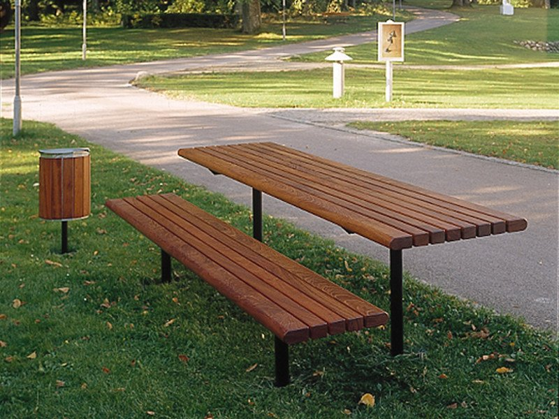 Steel and wood picnic table CITY | Table for public areas by Nola Industrier