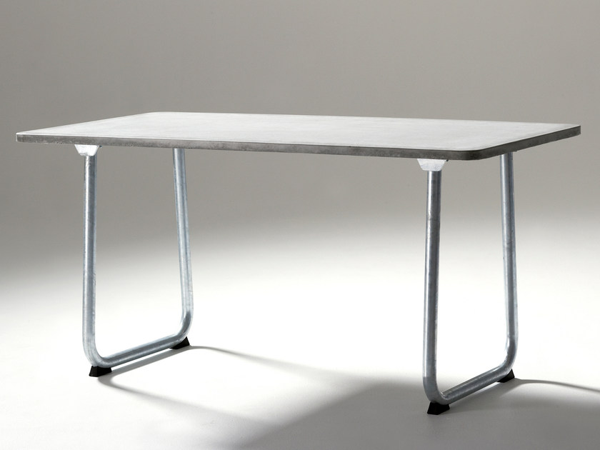 Concrete Table for public areas GOAL by Nola Industrier