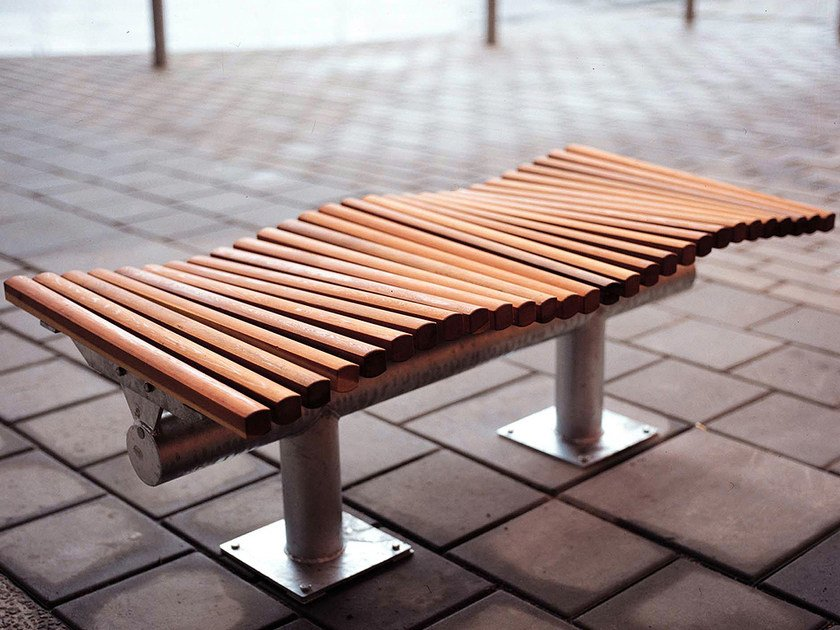 Sectional backless steel and wood Bench DYNING | Backless Bench by Nola Industrier