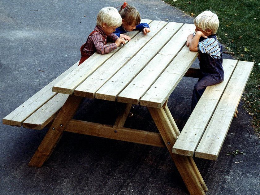 Picnic table with integrated benches PICNIC by Nola Industrier