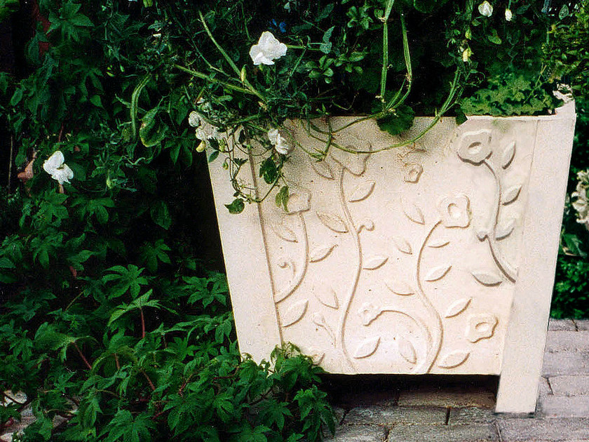 Reinforced concrete Flower pot VÄXA by Nola Industrier