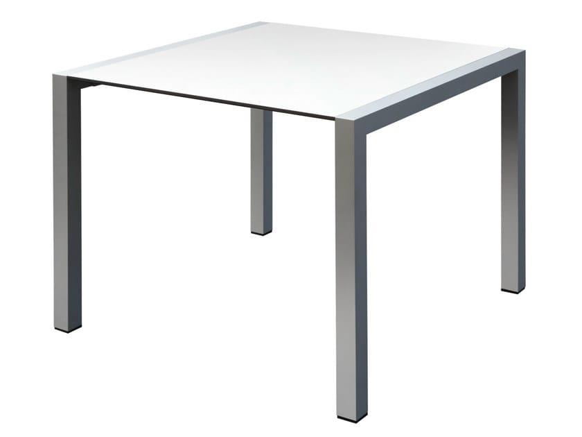 Tavolo quadrato in alluminio space tavolo quadrato gaber for Tavolo quadrato